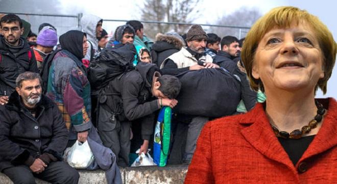 Itt a bizonyíték: Angela Merkel  tálcán kínálta fel az európai identitást