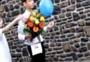 Különleges ballagás : a nyolcadikos fiú egyedül ballagott – videó