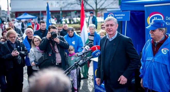 Brüsszel kottájából játszik a baloldal összes politikusa