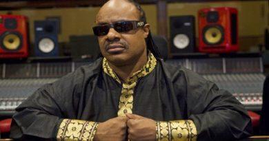 Stevie Wonder Ghánába menekül az amerikai rasszizmus elől