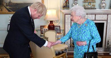 Boris Johnson nem megy el Fülöp herceg temetésére